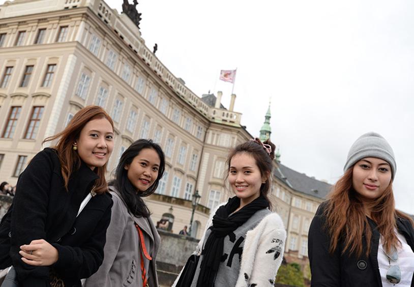 Students-Exchange-Program_814x565